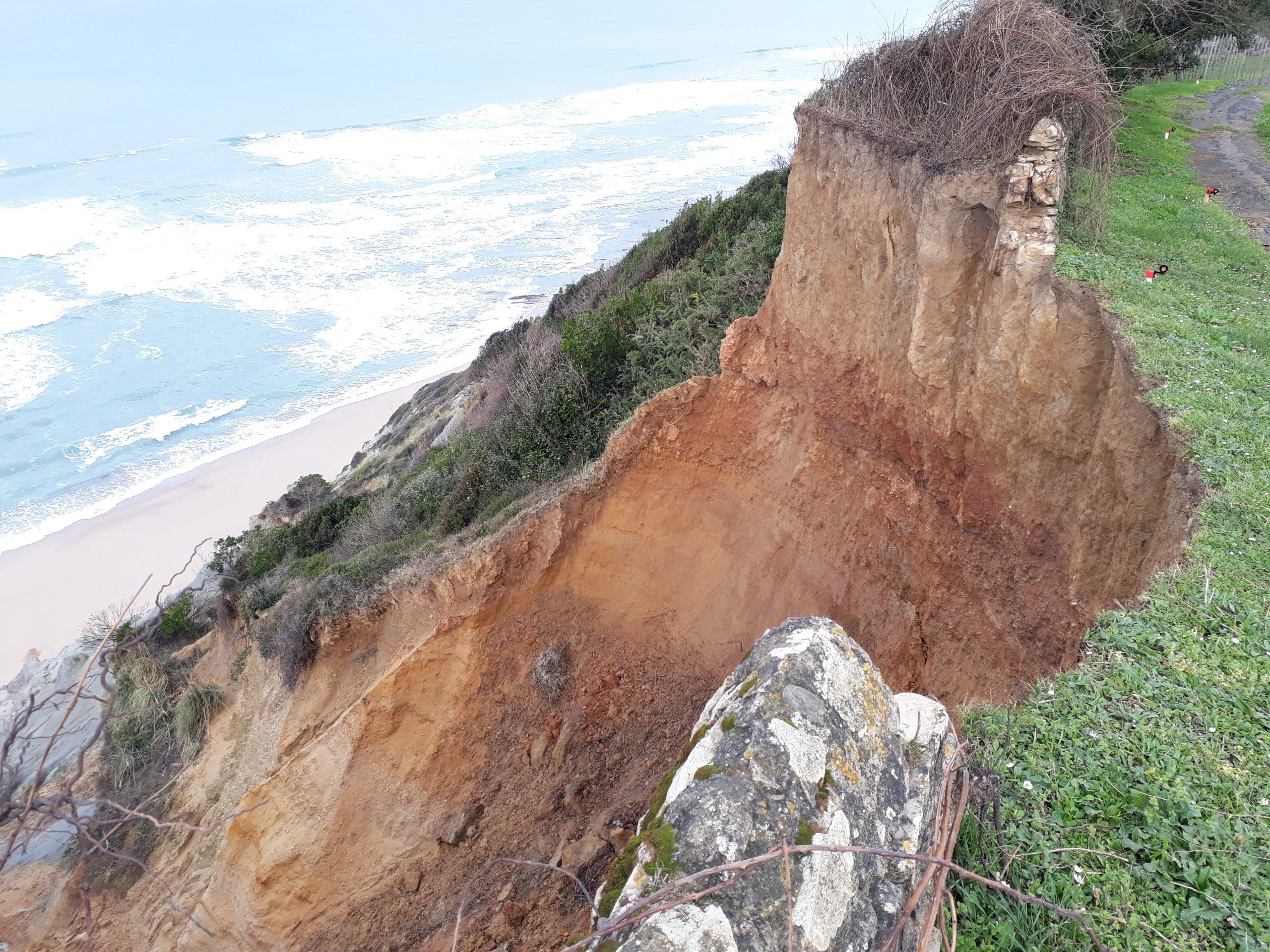 Glissement de terrain sur la Corniche basque : un suivi topographique engagé